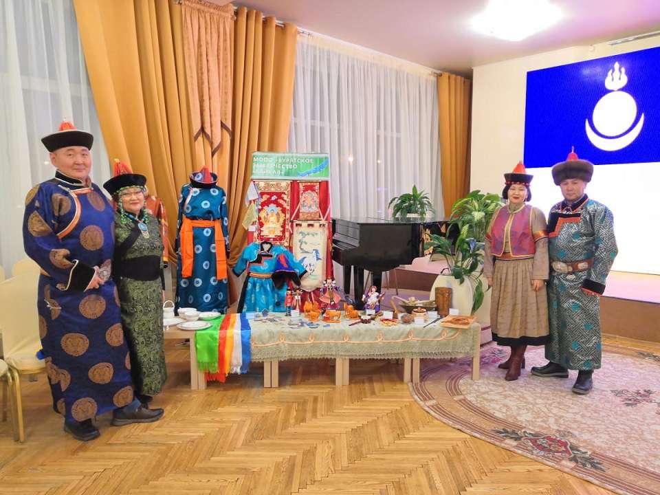 Дружеская встреча в клубе «Россия и мир»