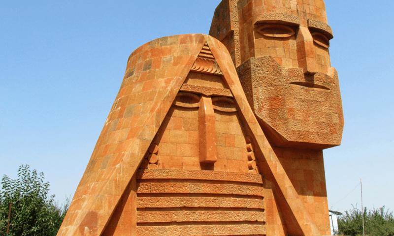 Нагорный Карабах: горячий мир