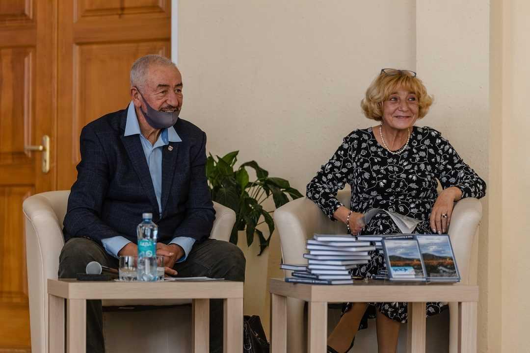 Презентация книги Сычева